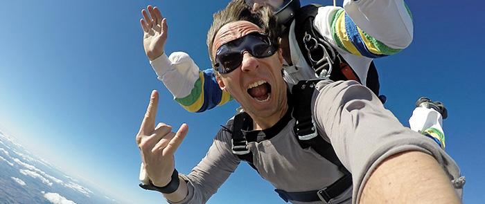 Šuoliai parašiutu