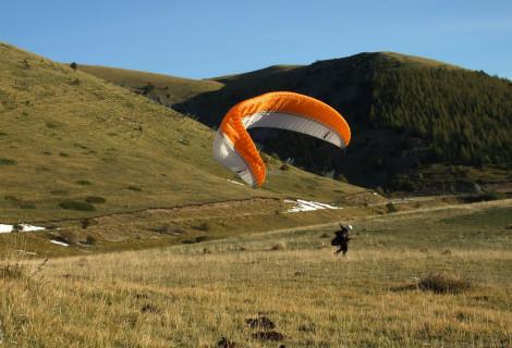 Parasparnio pilotavimo kursai (suteikiamas tarptautinis pažymėjimas)