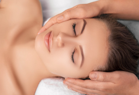 Prancūziškas veido masažas su parafino terapija rankoms