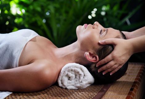 Gaivinantis veido, kaklo ir dekoltė zonos masažas + dovana