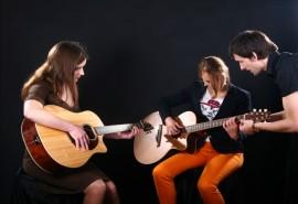 """Pamokos gitaros būrelyje modernioje gitaros studijoje """"GSC"""""""