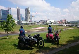 Pasivažinėjimas senovinio motociklo lopšyje