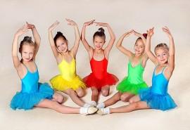 """""""Žaidžiame baletą"""" – pamokėlės """"Coliukių"""" grupėje"""