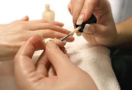 SPA manikiūras su ilgalaikiu lakavimu ir parafino terapija rankoms