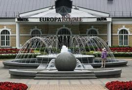 """Dviejų parų karališkas poilsis Druskininkų centre, viešbutyje """"Europa Royale Druskininkai"""" + staigmena"""