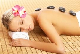 Karštų akmenų kūno masažas