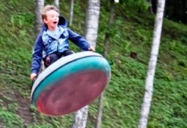 """Pašėlę kalneliai nuotykių parke """"Tarzanija"""" suaugusiems"""