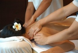 Keturių rankų masažas