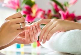 SPA manikiūras, rankų masažas, lakavimas