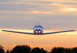 Skrydis su galimybe pilotuoti orlaivį