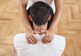 Kėdės masažas dekoltė sričiai