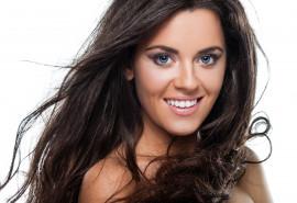 Plaukų galiukų kirpimas ir plaukų poliravimas