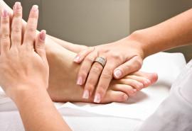 Atpalaiduojantis nugaros ir pėdų masažas