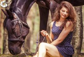 Profesionali fotosesija su žirgu