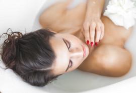 Negyvosios jūros vandens vonios terapija + arbata su desertu po procedūros