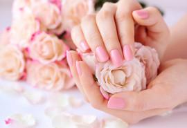 SPA manikiūras, rankų masažas ir lakavimas