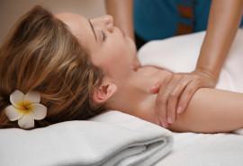 Nuostabus pečių juostos, kaklo bei nugaros masažas