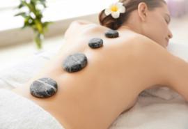 Karštų akmenų viso kūno masažas