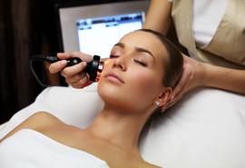 Kombinuotas rūgštinis veido odos valymas