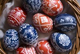 Velykinių kiaušinių dekoravimas vašku