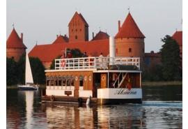 Pasiplaukiojimas laivu po Galvės ežerą