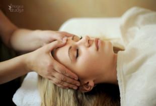 Veido ir galvos-dekoltė masažas