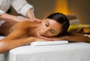 Kūno masažas su tajų masažo elementais