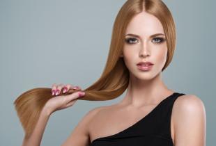 Plaukų gydymas kauke, masažas ir sušukavimas
