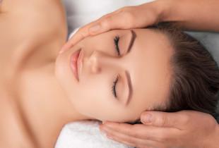 Priešraukšlinis veido chiro masažas