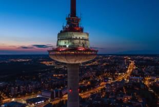 """Vakarienė dviem restorane """"Paukščių takas"""" TV bokšte (65 Eur)"""