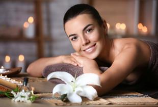 """Atstatomasis aromaterapinis 9 eterinių aliejų masažas """"Lietaus lašas"""""""