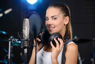 """Dainos įrašymas garso įrašų studijoje """"Garsas nemiega"""""""