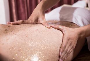 Prabangus viso kūno SPA masažas su aukso dulkėmis