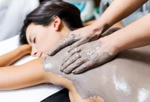 Įvyniojimas purvu ir masažas