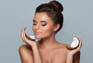 """Viso kūno šveitimas su lengvu masažu """"Kokosas"""" arba """"Citrininė mėta"""" pasirinktinai"""