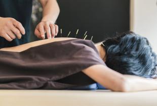 Akupunktūros procedūra svorio mažinimui