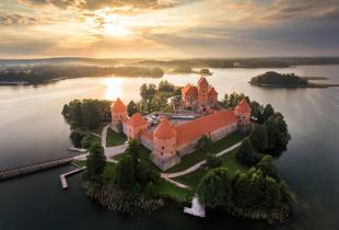 """Ekskursija laivu """"Nepažinti Trakai"""" su kibinų degustacija"""