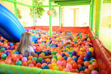 Vaikų gimtadienis žaidimų kambaryje ELFĖJA
