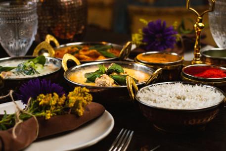 Gurmaniškas Indiškas ir Tajų rinkinys keturiems