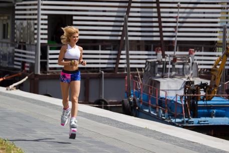 Moderni treniruotė su Kangoo Jumps dovanu kuponas