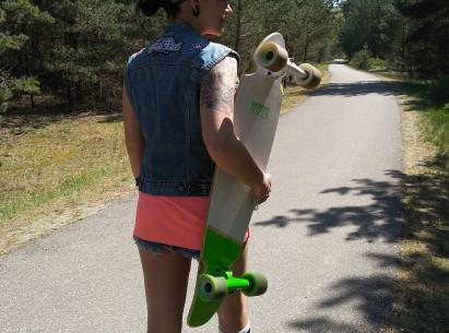 Išbandyk gatvės surfingą LONGBOARD riedlentėmis
