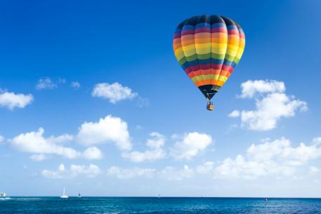 Skrydis oro balionu pajūryje su pikniku