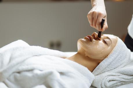 Odą atgaivinanti, stangrinanti veido procedūra SPINDESYS