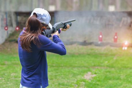 Šaudymas iš 4 kovinių ginklų šaudykloje HUNT&SHOOTING