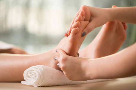 TAILANDIENTIŠKAS pėdų ir plaštakų masažas