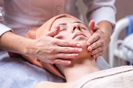 Stangrinamoji veido procedūra – TERMOLIFTINGAS