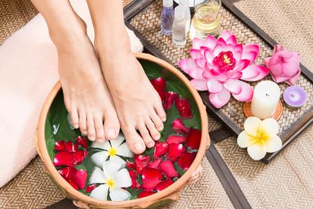 DETOKSIKUOJANTI pėdų vonelė ir Nesvarumo terapija