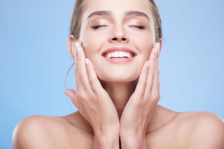 GREITO POVEIKIO drėkinamoji veido procedūra