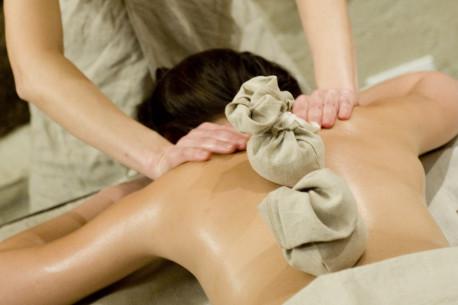 ETNO masažas su gintaro maišeliais