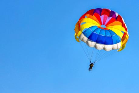 Šuolis kupolo parašiutu Mažeikiuose
